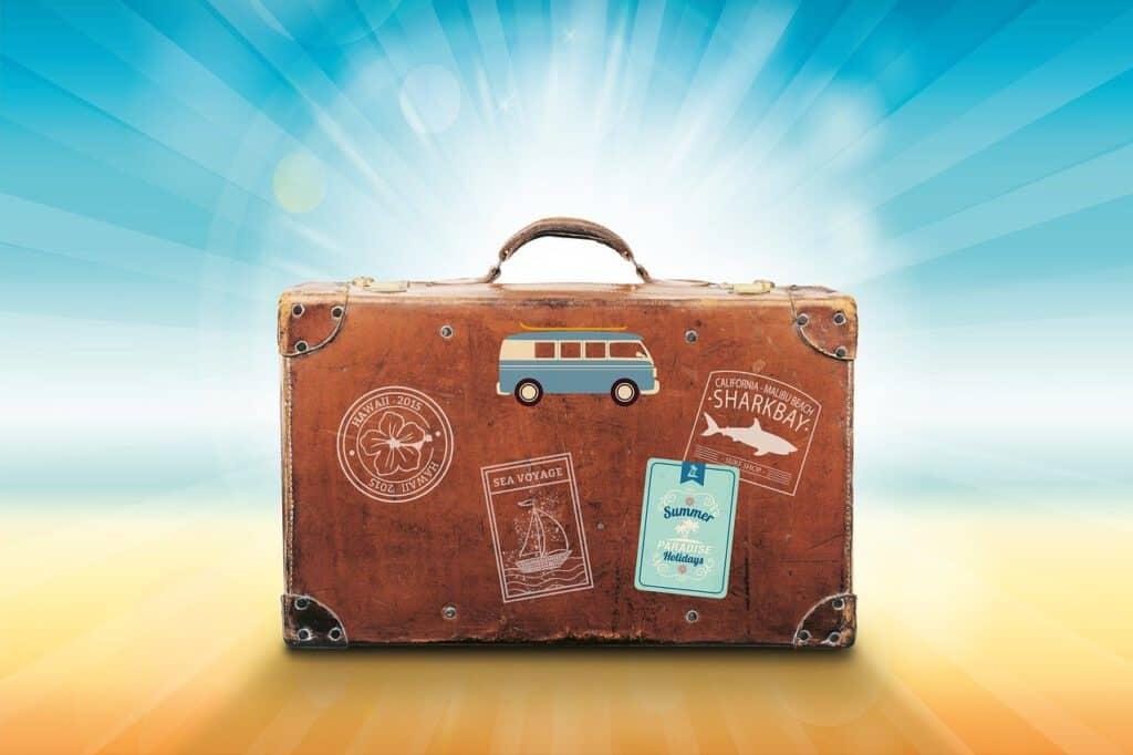 Vakantiegeld besteden koffer voor op vakantie